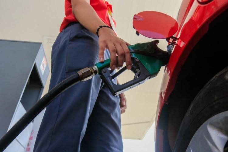 Gasolina está mais cara nas bombas de combustíveis em Fortaleza neste início de fevereiro de 2021 (Foto: BARBARA MOIRA)