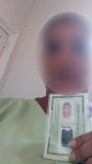 Enfermeira fez selfie com RG de paciente para contrair empréstimo de R$ 3,6 mil em financeira.  (Foto: Divulgação/PCCE)