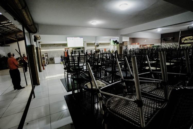 Decreto que impõe o fechamento dos negócios e o atendimento não presencial termina no dia 21 de março (Foto: JÚLIO CAESAR)