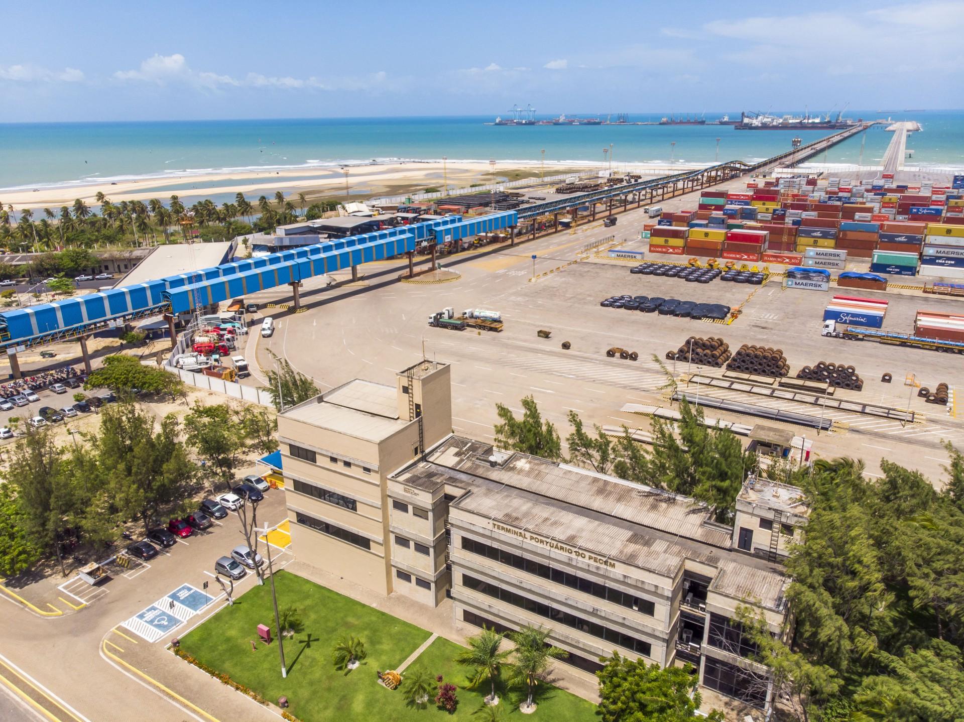 COMPLEXO DO PECÉM é um dos grandes fatores que têm atraído o interesse dos grandes grupos globais por conta da facilidade logística para exportação.