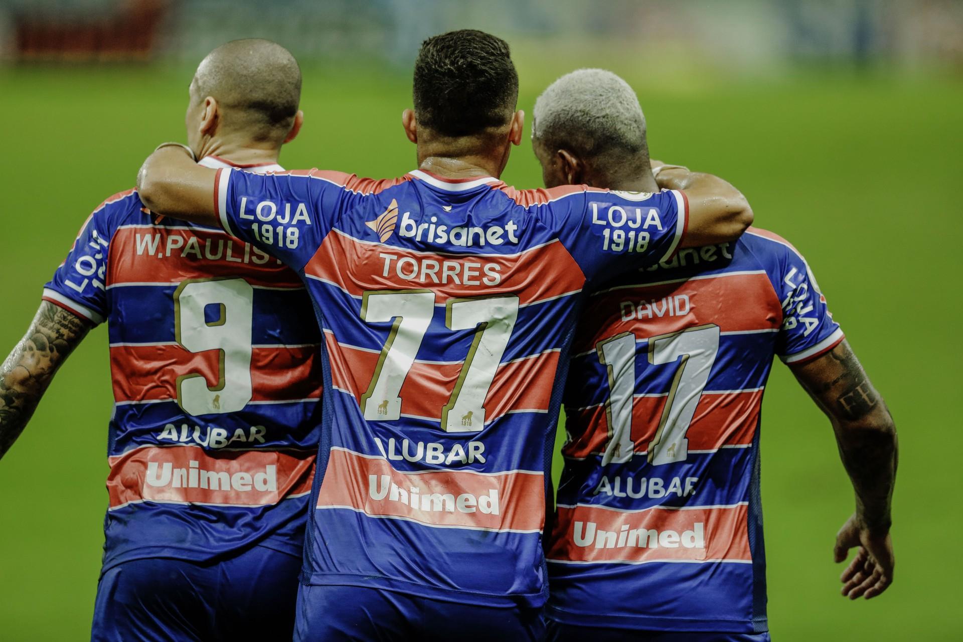 Wellington Paulista e David marcaram; Igor Torres entrou bem na partida