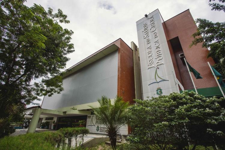 FORTALEZA-CE, BRASIL, 20-07-2020:  Fachada e espaço interno da Escola de Saúde Pública. em epoca de COVID-19. (Foto: Aurélio Alves / O Povo) (Foto: Aurelio Alves/ O POVOS)