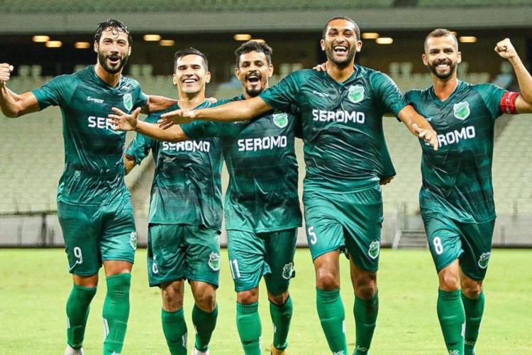 Floresta-CE quer coroar volta por cima com título da Série D  (Foto: Ronaldo Oliveira/Floresta EC)