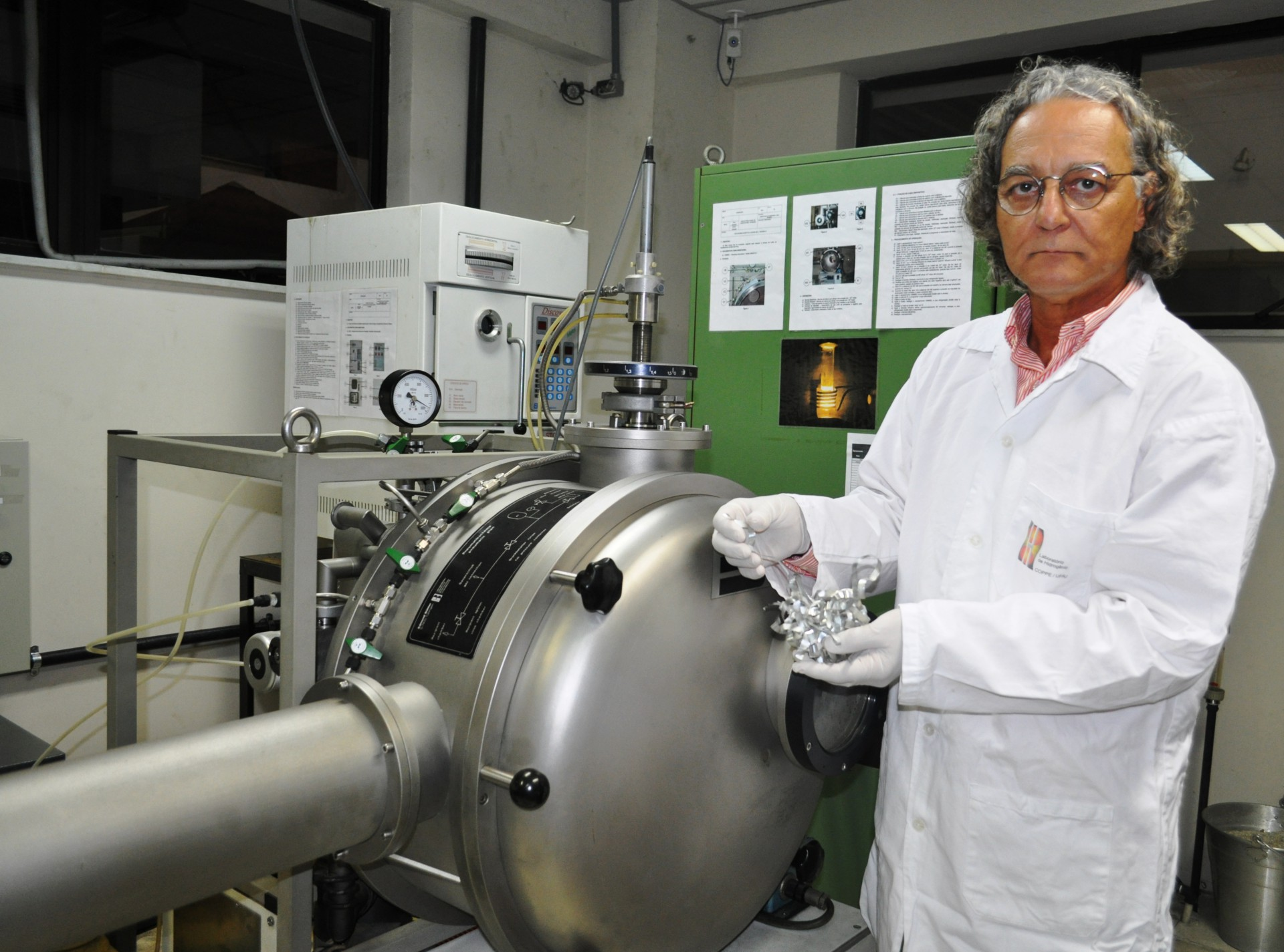 Paulo Emílio, coordenador do Laboratório de Hidrogênio da Coppe/UFRJ