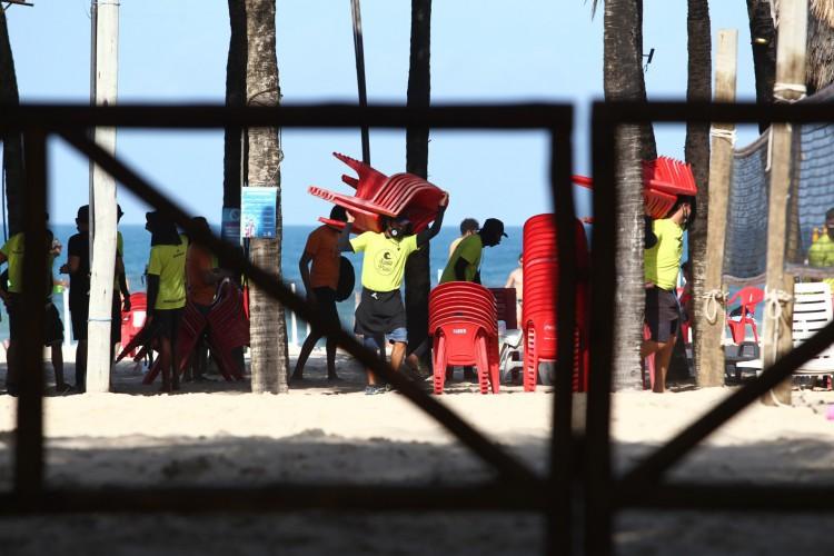 Setor de bares, restaurantes e barracas recebeu medidas de apoio (Foto: FABIO LIMA)