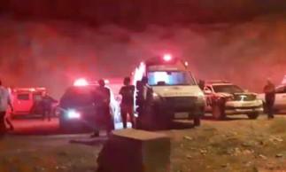 Ambulâncias, equipes do Samu e um helicóptero do Ciopaer foram deslocados à barragem.