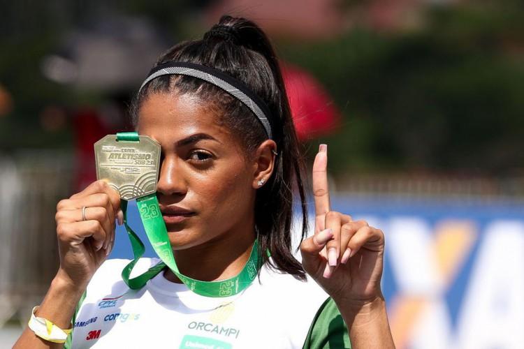 Ana Carolina quer vaga olímpica nos 200 m e no revezamento 4x100 m (Foto: WAGNER CARMO/ECP)
