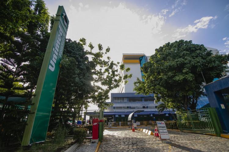 Unimed Fortaleza está com 400 vagas em aberto para técnicos de enfermagem, enfermeiros e fisioterapeutas para atuação em UTIs, Emergência e Clínica Médica. (Foto: Aurelio Alves)
