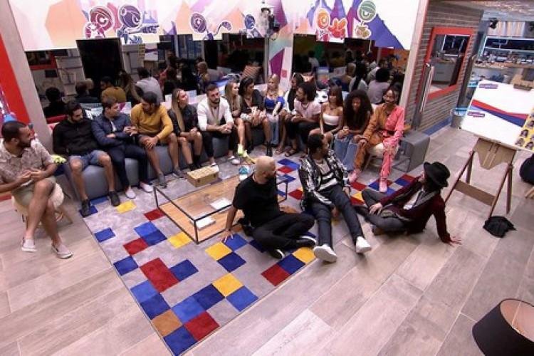 Brothers reunidos para jogo da discórdia nesta segunda-feira, 9 (Foto: Reprodução/Rede Globo)