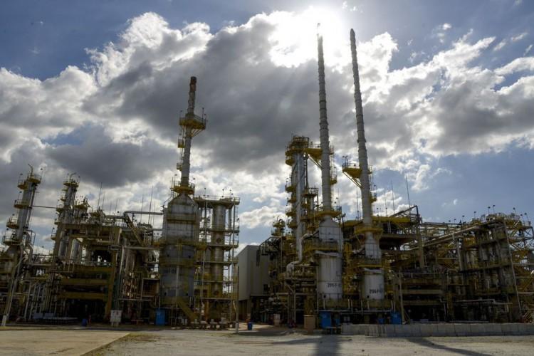 Petrobras aumenta preço da gasolina em cerca de 8% nas refinarias (Foto: )