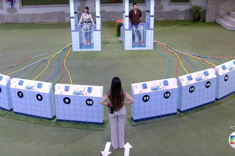 Prova 'bate e volta' que tirou Karol Conká do paredão (Foto: Reprodução/ TV Globo)