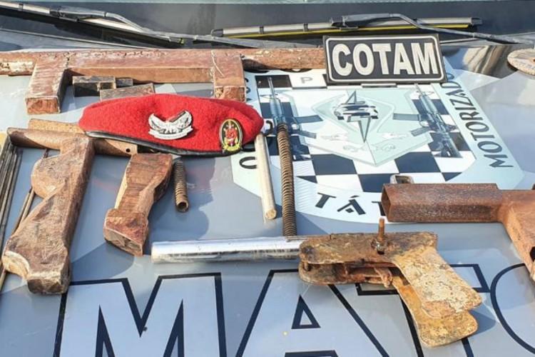 Armamento foi apreendido no Eusébio  (Foto: via WhatsApp O POVO )