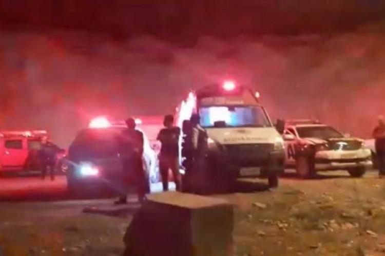 Ambulâncias, equipes do Samu e um helicóptero do Ciopaer foram deslocados à barragem. (Foto: Arnou Pinheiro Feijó/Blog do Farias Júnior)