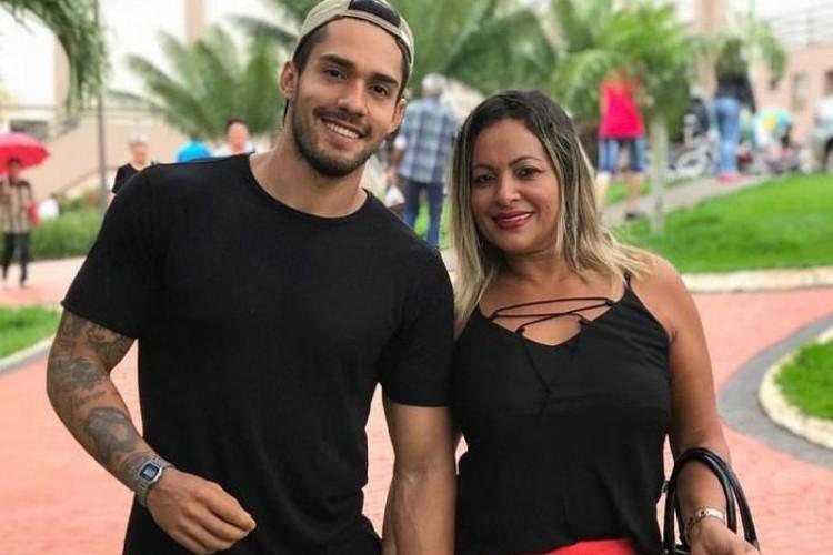 Para Ana Araújo, mãe do participante Arcrebiano, a seria o melhor prêmio que ele poderia ter (Foto: Foto: Reprodução/Instagram)