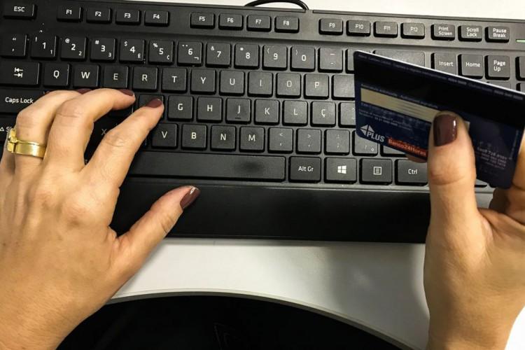 Comércio eletrônico,Cartão de Crédito (Foto: Marcello Casal Jr/Agência Brasil)