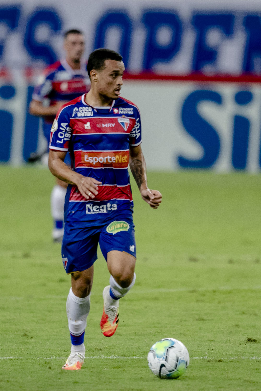 Ausente contra o Palmeiras, Luiz Henrique deve voltar a ser opção para o meio-campo do Fortaleza