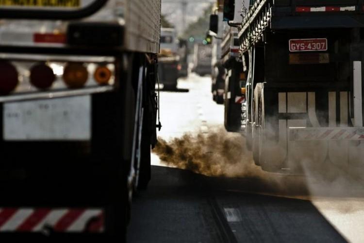 Frota de ônibus da capital paulista emitiu 50% menos poluentes em 2021 (Foto: )