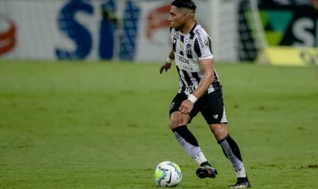 Atacante Jacaré, do Ceará, sofreu entorse no joelho em março e só voltou a jogar no fim de outubro
