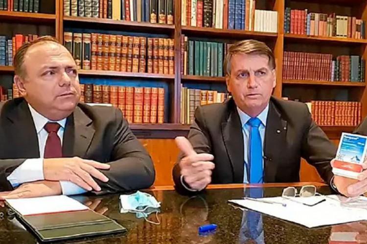 O presidente indicou que pessoas identificadas com a direita usem cloroquina em seus tratamentos, enquanto a esquerda deveria tomar tubaína