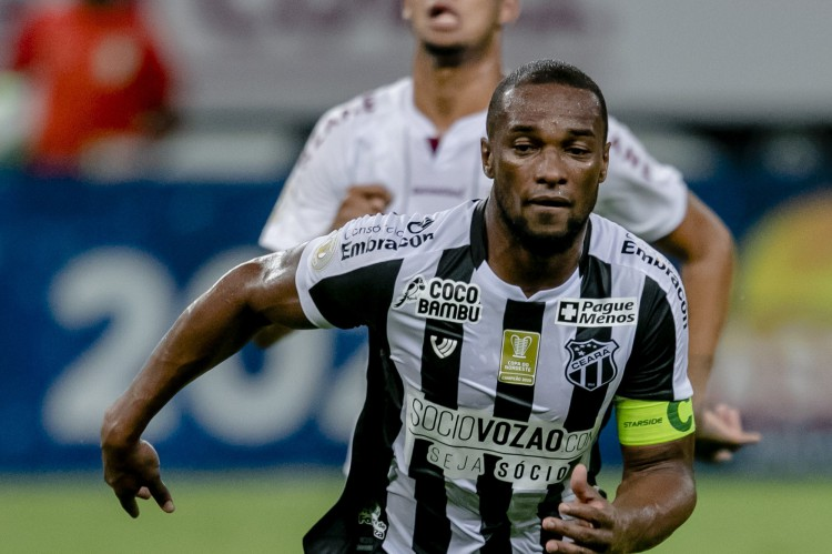 Luiz Otávio agradeceu o carinho e a preocupação da torcida do Ceará em vídeo divulgado pelo Alvinegro (Foto: Aurelio Alves)