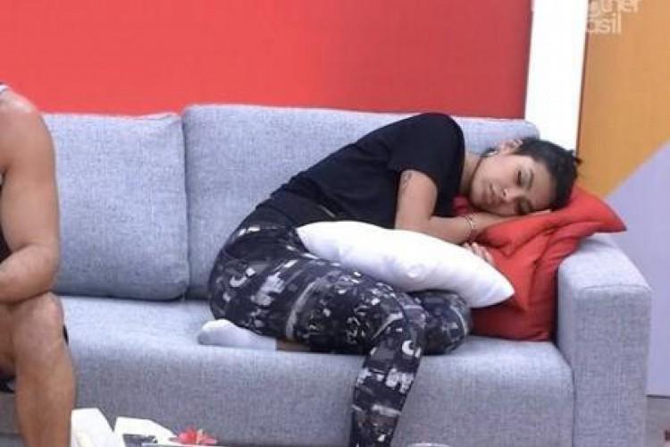 Pocah tem ficado conhecida por dormir muito no reality (Foto: Reprodução/Globoplay)