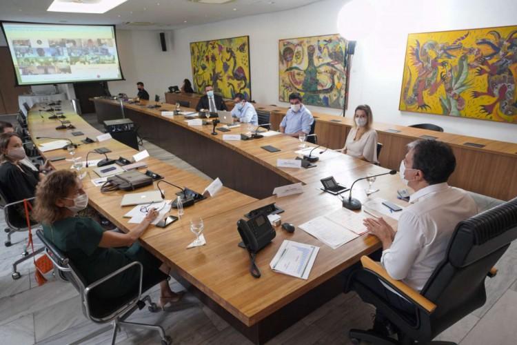 O governador do Estado Camilo Santana se reuniu com gestores para a definição das metas para 2021 (Foto: Foto: Ascom/Governo do Estado)