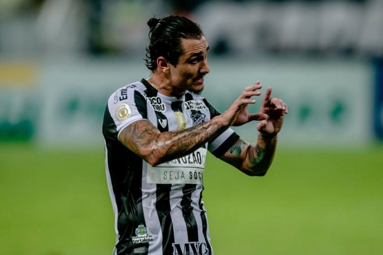 Vina foi o principal jogador do Ceará na temporada (Foto: Aurélio Alves/O POVO)