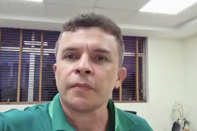 Presidente da Unimed Fortaleza, Elias Leite, é responsável por boletim epidemiológico diário (Foto: Reprodução/WhatsApp O POVO)