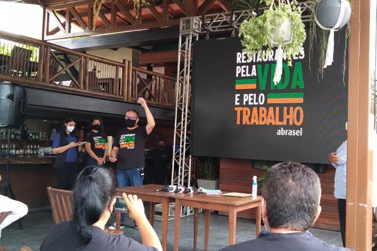 Apresentação pela Abrasel de pesquisa sobre contaminação por Covid-19 em clientes e funcionários de restaurantes em Fortaleza (Foto: Samuel Pimentel)