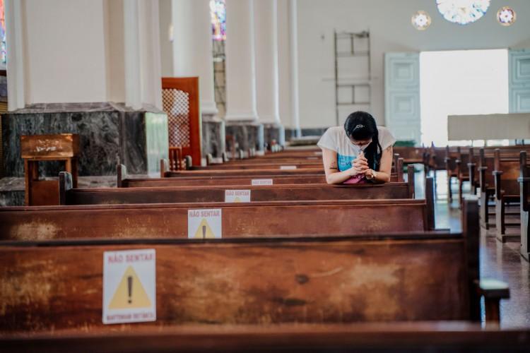 Fortaleza está na fase 4 do plano de retomada do Governo do Estado e pode retomar a capacidade das igrejas em 100%, desde que respeitado o protocolo. (Foto: Júlio Caesar)