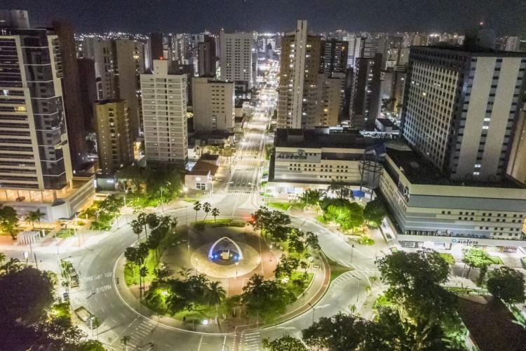 Comércio e serviços estão proibidos em Fortaleza (Foto: FCO FONTENELE)