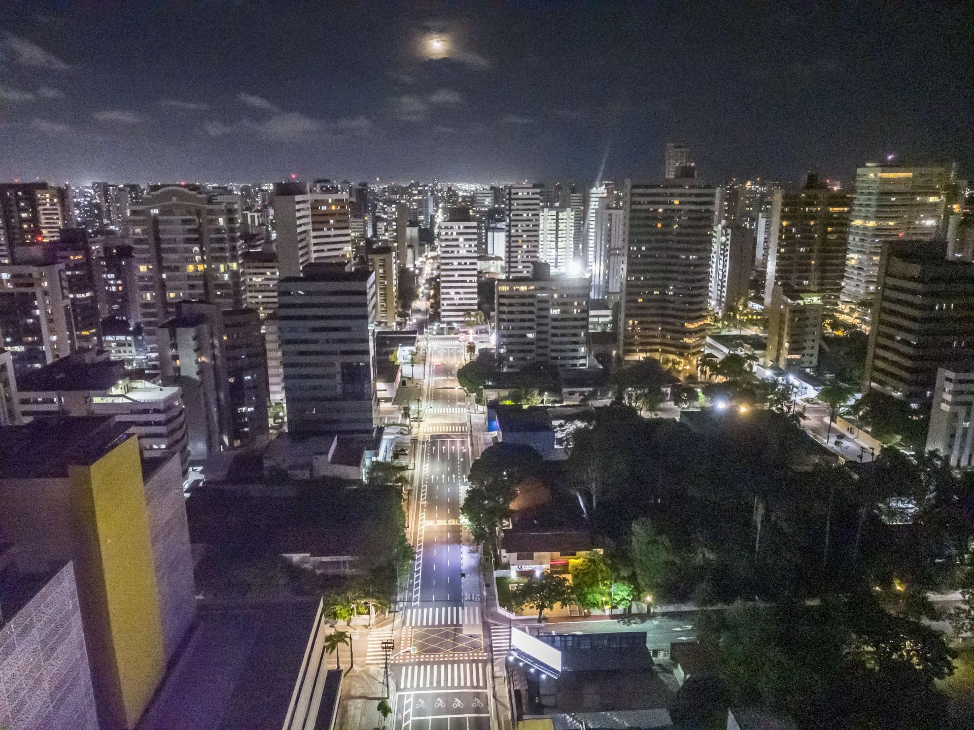 Fortaleza, Ce, Brasil 18.02.21 - Pora conter onda de transmissões por coronavirus, o governador Camilo Santana decretou toque de recolher em Fortaleza à partir da 22h (Foto: Fco Fontenele/O POVO)