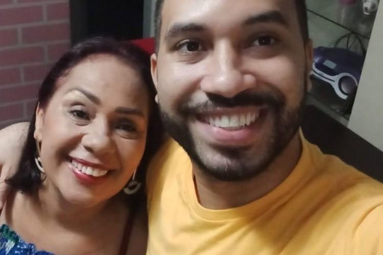 Jacira Santana é mãe de Gilberto Nogueira e ficou irritada com as atitudes de Karol Conká no BBB21. (Foto: Reprodução/ Instagram)