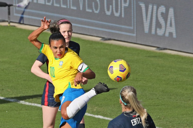 Dia 4 de Olimpíadas de Tóquio tem jogo do Brasil com a seleção feminina de futebol: confira programação com chances de medalha para o país com horário e onde assistir ao vivo (Foto: Gregg Newton / AFP)