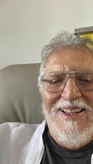 Humorista Carlos Alberto de Nóbrega e família estão internados com diagnósticos de Covid-19. (Foto: Reprodução/ Instagram)