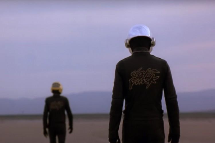 Em vídeo publicado no Youtube, Daftpunk se despede da carreira (Foto: Reprodução/ Youtube)