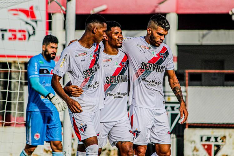 Adílson Bahia marcou os dois gols do Ferroviário na vitória diante do Guarany de Sobral.  (Foto: Lenílson Santos/ Ferroviário AC)