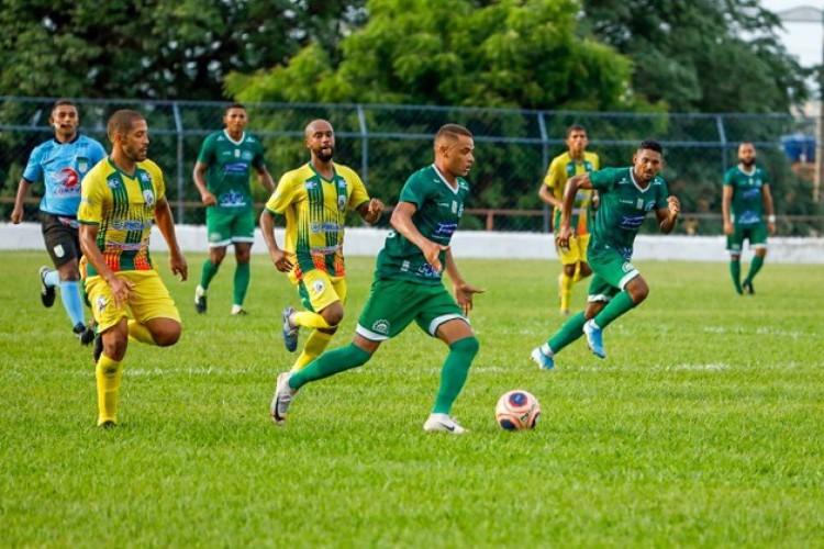 Icasa abriu o placar com Junior Juazeiro e Pacajus empatou com gol de goleiro nos acréscimos.  (Foto: Antônio Josimar Segundo)