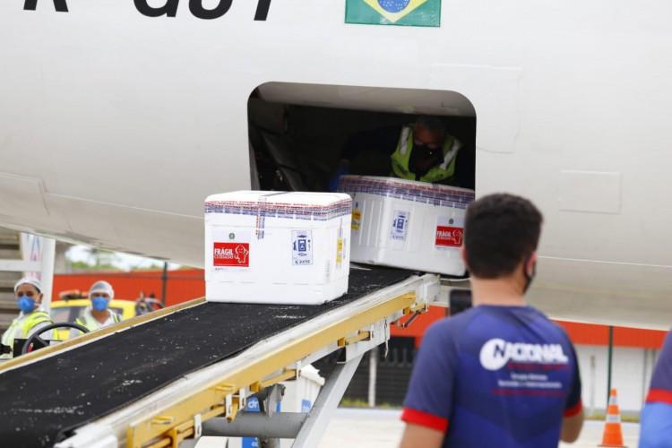 Novo lote chegou na manhã desta quarta-feira, 24 de fevereiro   (Foto:  Governo do Ceará)