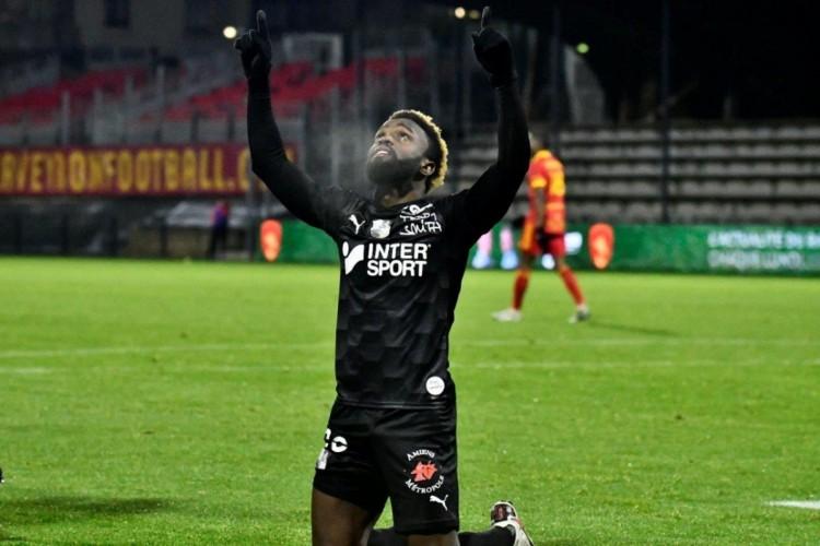 Jogador tem atuado na segunda divisão da França  (Foto: Divulgação/Amiens)