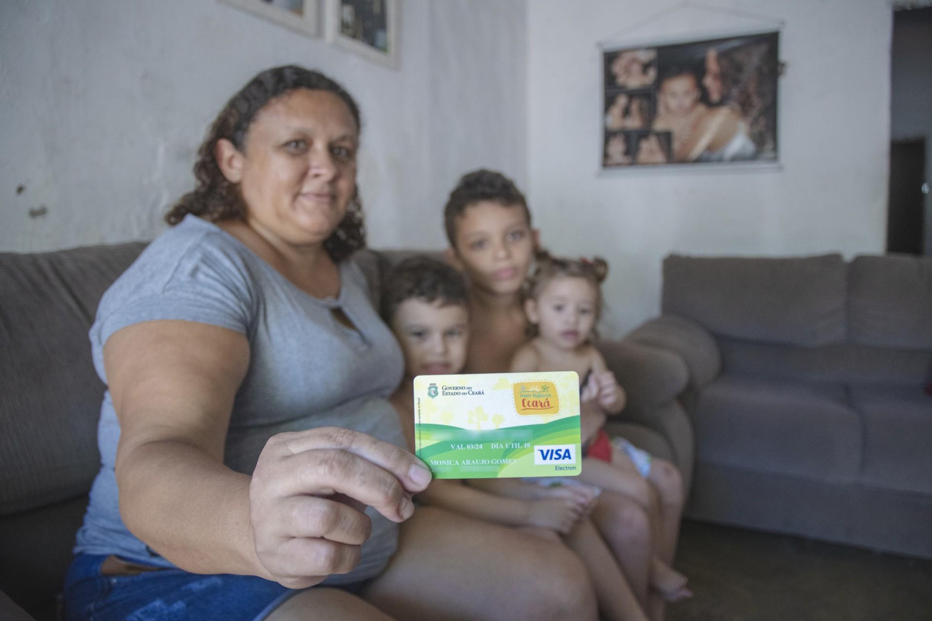 A cada 10% do valor do Cartão, há uma melhora de cerca de 15% nas notas de português e matemática dos pequenos (Foto: Ariel Gomes/Governo do Ceará)