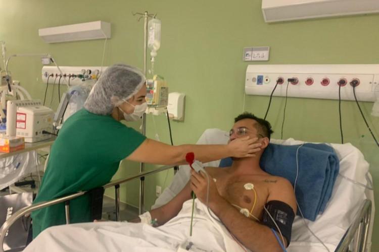 Pedido veio após quatro dias de internação de Carlos por Covid-19 (Foto: Divulgação/HRN)