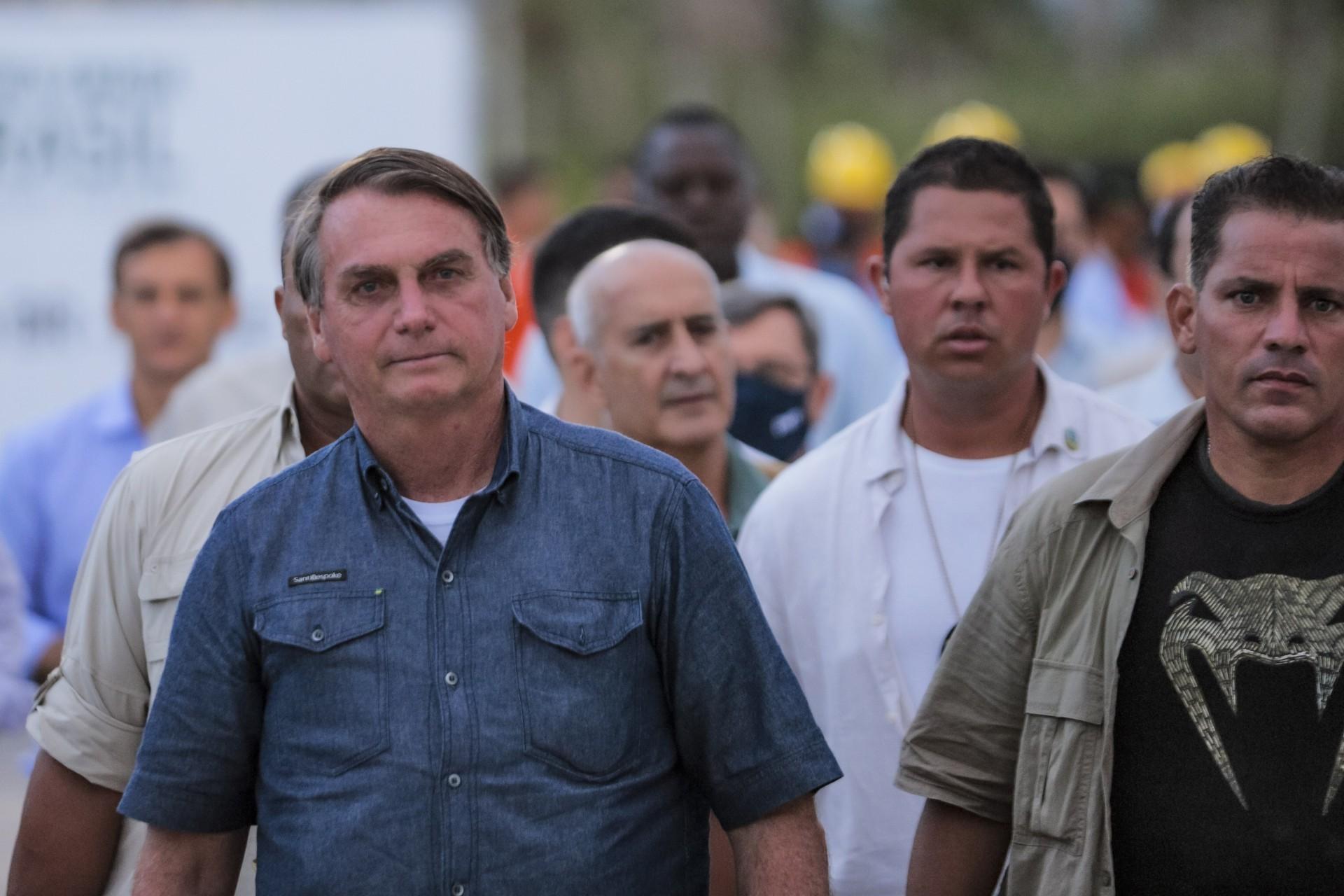 Bolsonaro lança palavras ao vento e sem fundamentação