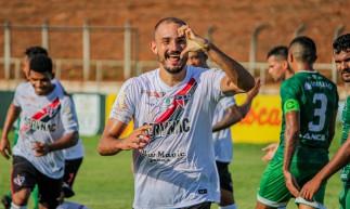 Vitão, zagueiro do Ferroviário, fez o gol da vitória sobre o Icasa pelo Campeonato Cearense 2021