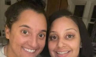 Elas nasceram na República Dominicana e foram adotadas por famílias norte-americanas .