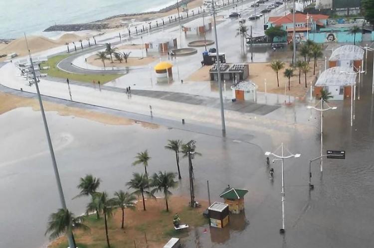 Avenida Beira-Mar alagada nesta segunda-feira, 1º