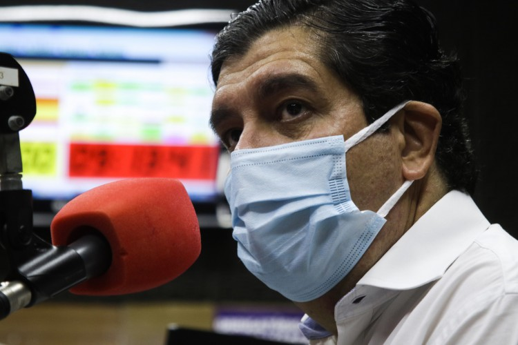 Carlos Roberto Martins Rodrigues Sobrinho, o Dr. Cabeto, secretário da Saúde do Ceará, foi entrevistado na segunda-feira, 1º de março de 2021, ao vivo, pela rádio O POVO CBN (Foto: Thais Mesquita)