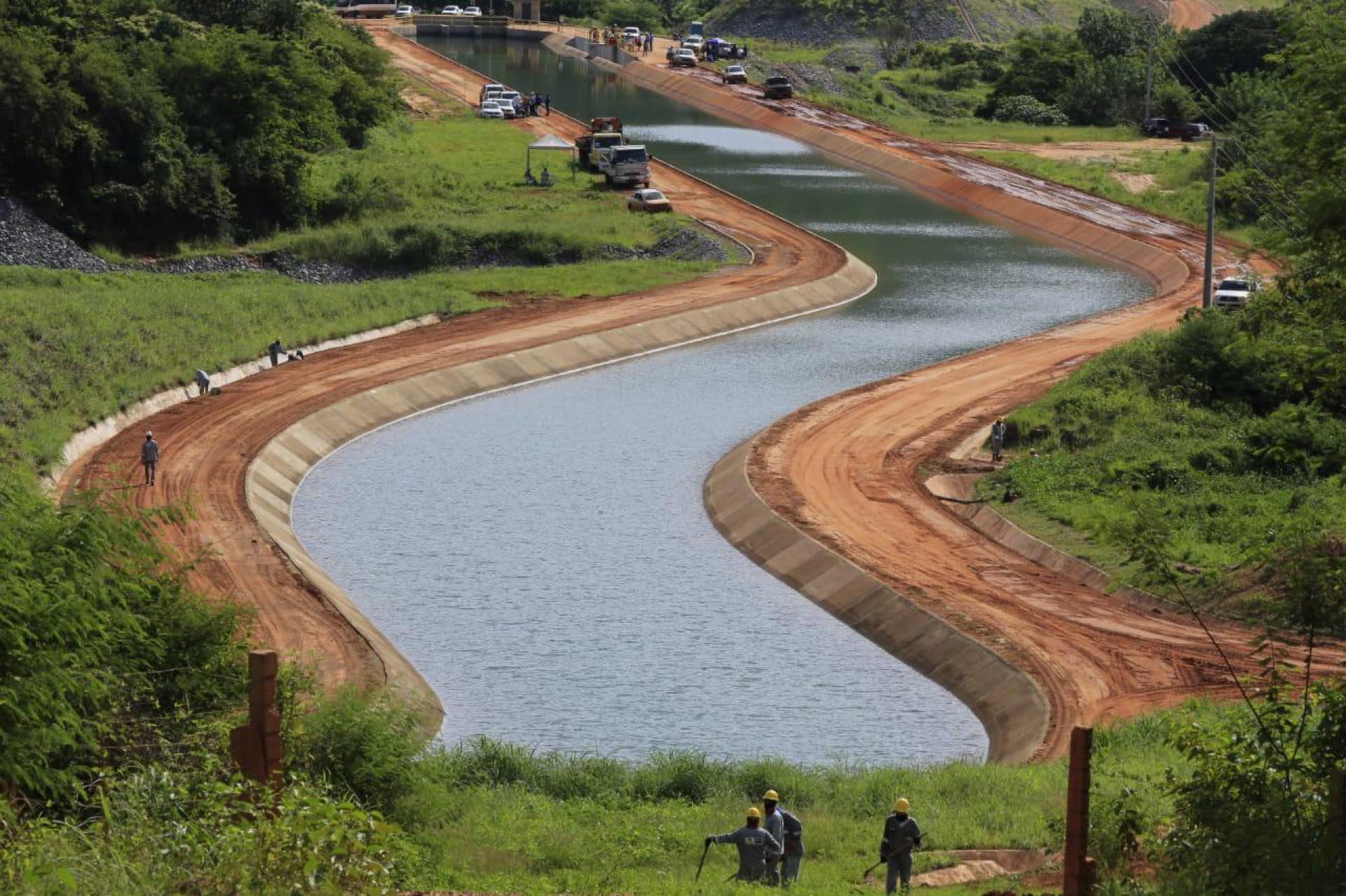Águas foram liberadas nesta segunda-feira, 1º, e tem vazão de 12 mil litros de água por segundo.