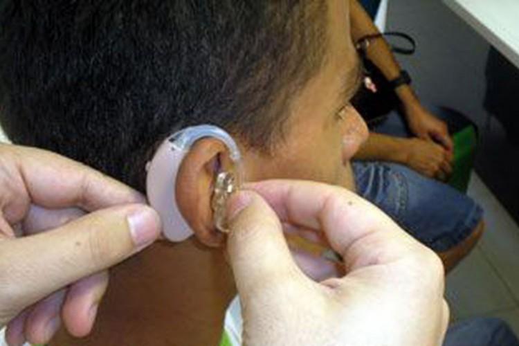 OMS estima 2,5 bilhões de pessoas com problemas auditivos em 2050 (Foto: )
