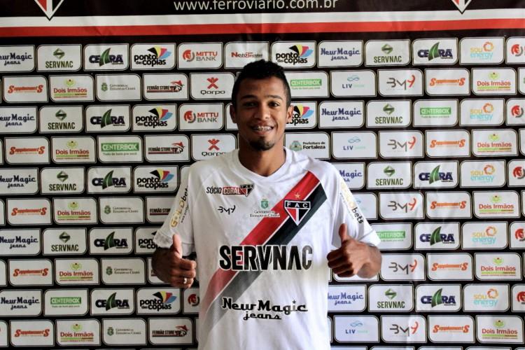 Lateral-direito Polegar assinou com o Ferroviário até o final do Campeonato Cearense 2021.  (Foto: Lenílson Santos/Ferroviário AC)